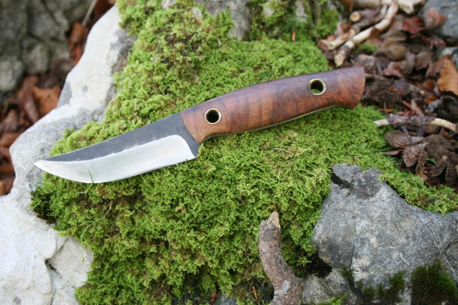 Outdoor Messer mit Bryere Maserholz Griffschalen, Stahl 1.2703 nicht rostträge