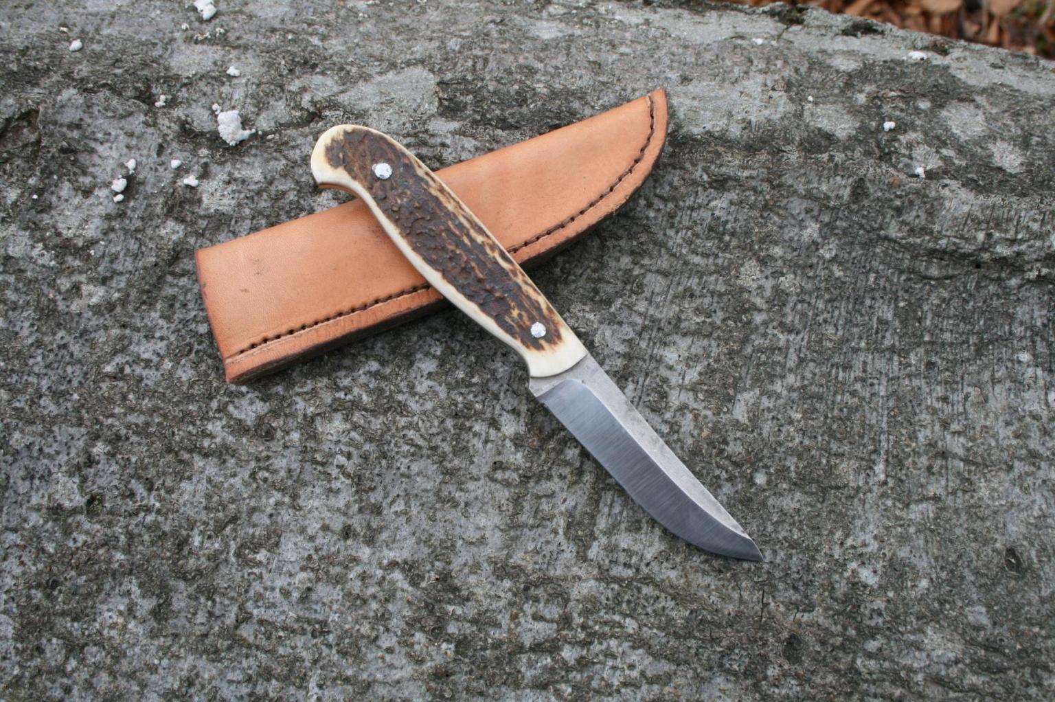 Jagdmesser mit Rotwildgeweih
