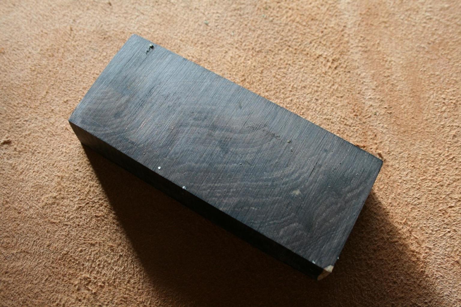 Grenadill Holzblock für handgefertigte Messer